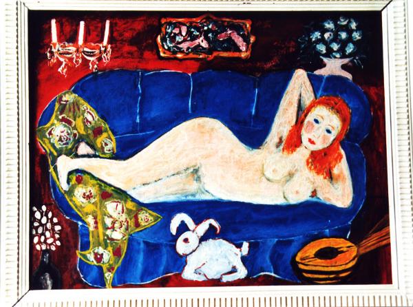 Akt auf blauem Sofa
